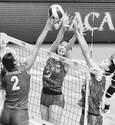世界女排大奖赛总决赛开赛中国队首战负于塞尔