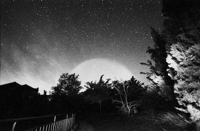 京沪同现巨大发光体ufo
