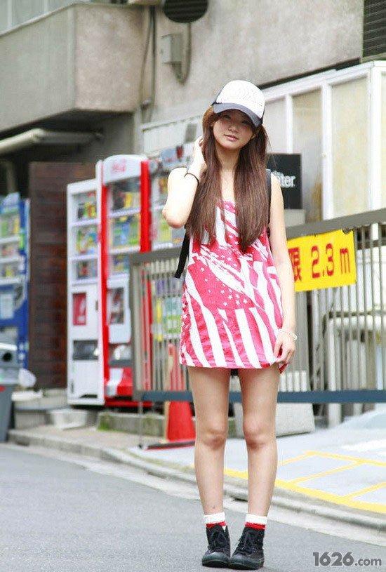 东京街拍 青春美少女的个性搭配图片