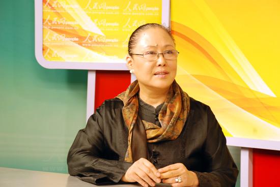 人民网娱乐讯 记者 蒋波8月26日下午16时,著名演员斯琴高娃做客娱乐