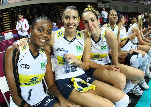 图文:巴西女排3-1美国 巴西队三朵金花