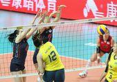 图文:美国女排3-0巴西夺冠 纳塔利亚进攻被拦