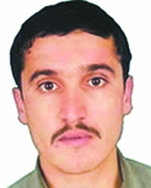 """美国官员27日确认,美国无人机本月22日在巴基斯坦靠近阿富汗的边境部族地区实施轰炸,炸死""""基地""""组织二号人物阿提耶·阿布德·拉赫曼。"""