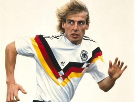 拉姆秀2012欧洲杯新战袍 盘点德国战车球衣(图)图片