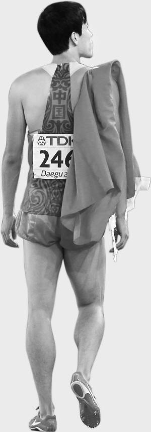 对于银牌,历练过后的刘翔很洒脱,他知道这一切都是奥运前的准备,还有分量最重的一块金牌等待他去争取。新华社 图