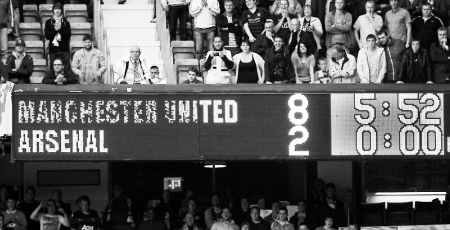 这是载入英超甚至世界足球史册的时刻