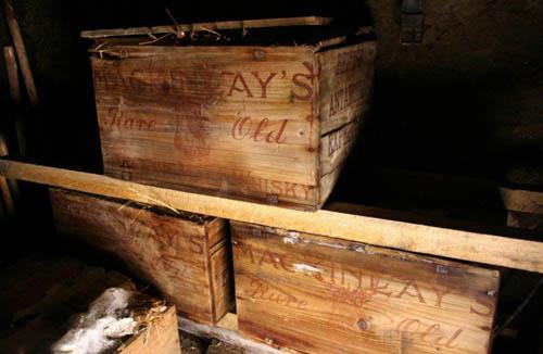 探险队去年在南极发现装有威士忌的木箱
