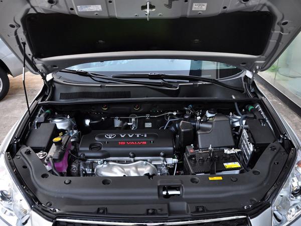 丰田发动机舱零件图解