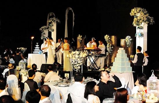 21世纪豪华婚礼现场-夫妻 房产加名 免税 细数40年来结婚账单
