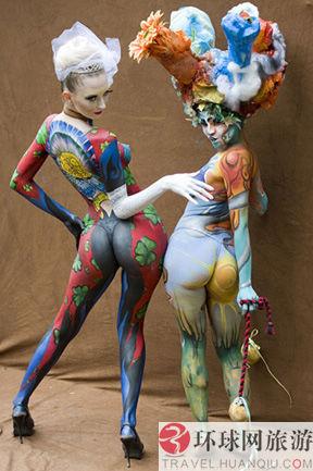 人人体体艺术_每年在奥地利珀特沙赫举行的人体彩绘艺术节食最大的以人体彩绘