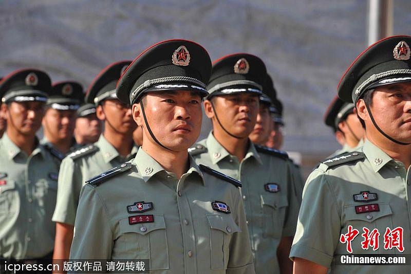 官裙装07式军服图片