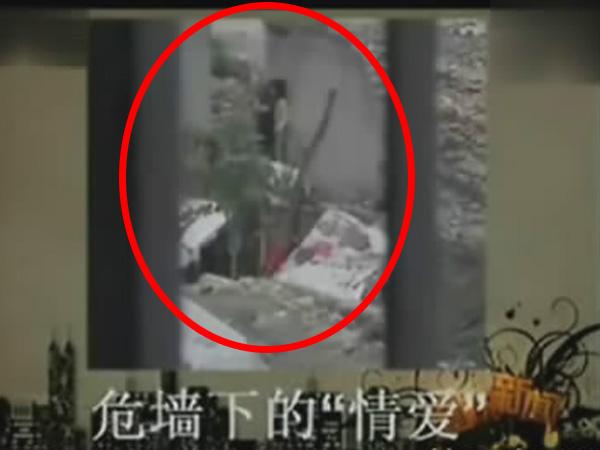 1658偷拍人体_工地厕所偷拍_工地厕所偷拍人体艺术_江若琳走光照露