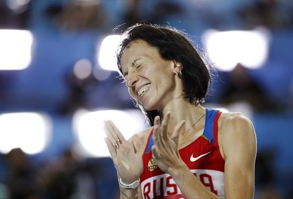 萨维诺娃击掌庆祝