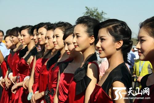 中华小姐  (500x333); 2011环塔拉力赛八一钢铁车队出征;;
