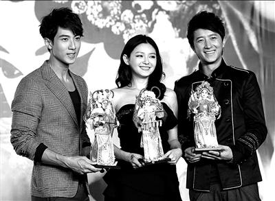 吴尊、大S、韩庚(从左至右)。本报记者张伟摄