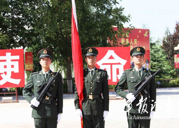 我国海陆空三军的军装在颜色和样式上有什么不同?: 07军装设计存图片