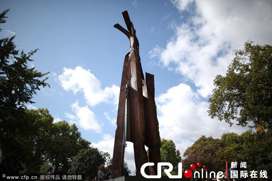 英国伦敦市长和艺术家米亚 安藤为9.11雕塑揭幕 国际在线 ...