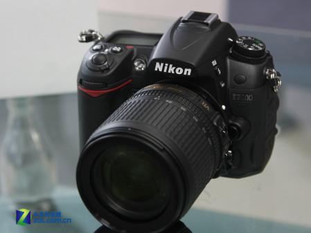搭配18-200mm镜头 尼康D7000降至12880元