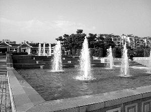 经维修改造重现华侨公园