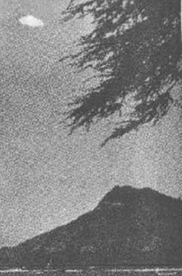 资料 近百年经典UFO照片集锦 神秘莫测