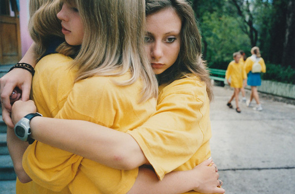 青春期少女图片