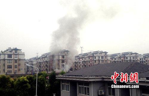 8日,江苏泰州左岸名都小区发生燃气爆炸.