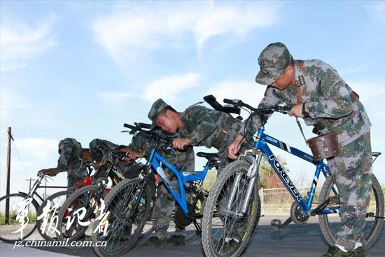 军区边防团配发山地自行车辅助巡逻执勤