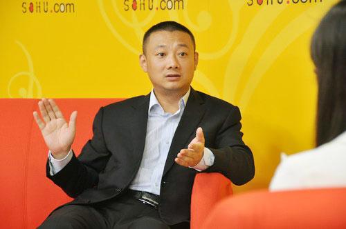 深圳市卡尔丹顿服饰有限公司私人高级定制总监刘丹