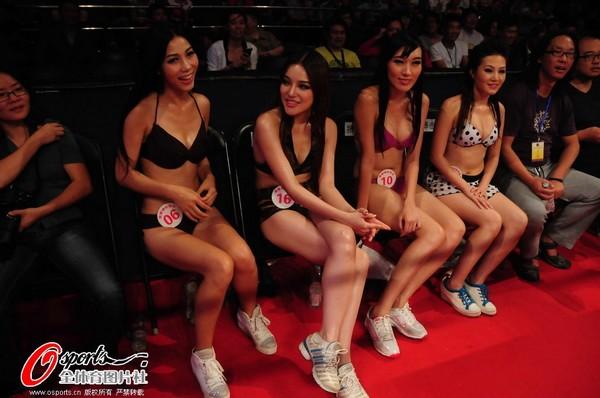 中国双星不负众望 在功夫全能技比赛中一同上演柔术