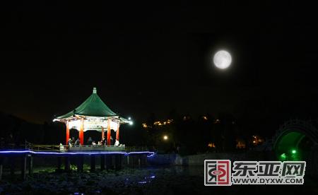 眼中最美的月亮