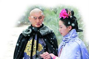 桐华认为吴奇隆的演技很棒,至于刘诗诗,看过片花后觉得她把人物的精神演出来了