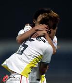 图文:[中超]长春2-1北京 亚泰队员庆祝