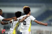 图文:[中超]长春2-1北京 王栋振臂庆祝