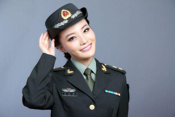 里的美女军官 北京 中国的首都;