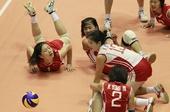 图文:[女排]中国3-0朝鲜 朝鲜队倒地一串