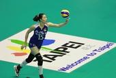 图文:[女排]中国3-0朝鲜 马蕴雯准备发球