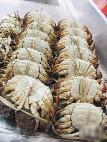 蟹肚清洁并带象牙色,为之靓蟹。
