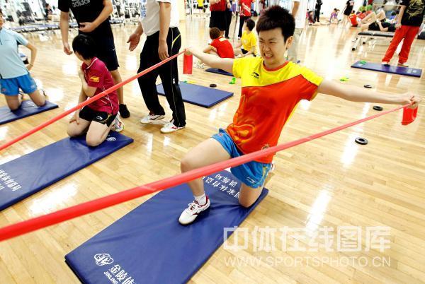 美体:力量教练训练国乒登山木子练习图文指导午餐图片