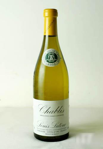 吃生蚝一般配干身的白酒,如法国Chablis是首选。