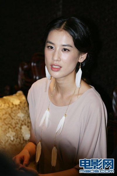 《一夜成名》刘桦变惊艳 黄圣依感恩周星驰(