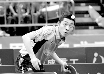 两年前的乒超女团冠军,不得不连续两年为保级而战,这是北京女乒的尴尬境况。2008年的乒超男团冠军,如今却在乒超战绩平平,这是上海男乒说不出的痛。