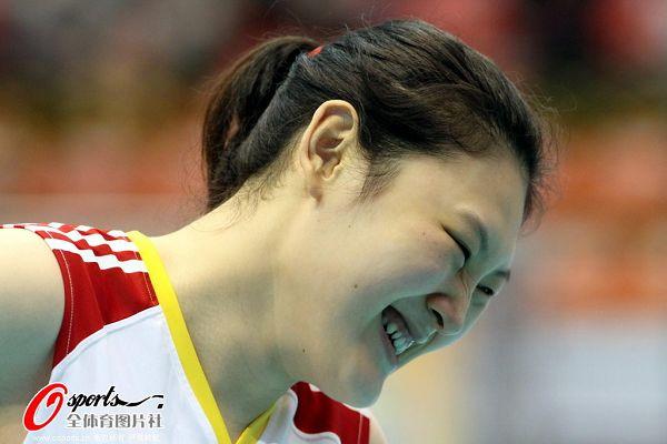 图文:[女排]中国3-0哈萨克斯坦 大梅笑得开心