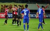 图文:[中超]成都2-0上海 进球拥抱