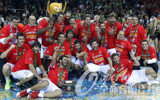 男篮欧锦赛:纳瓦罗27分加索尔两双 西班牙成功卫冕