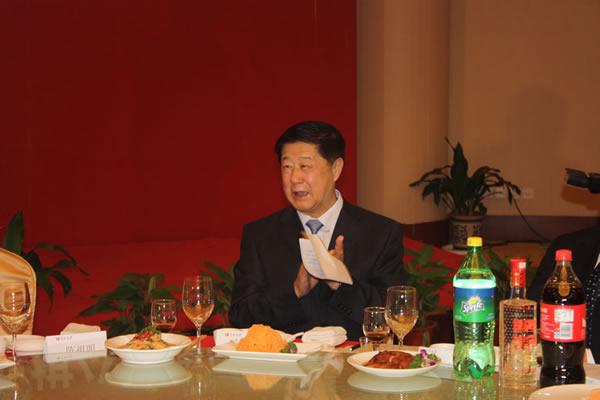 刘思明在宴会
