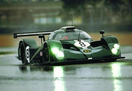 宾利展出传奇冠军跑车EXP Speed 8