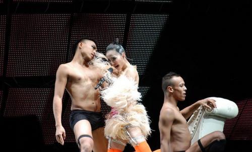 蔡依林南京开唱水中舞图片