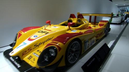 汽車的發明使人類多了一項運動——汽車比賽,賽道成了較量技術與高清圖片
