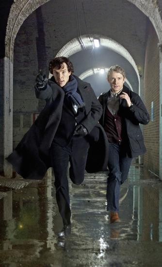 现代版福尔摩斯(左)和华生-英伦传统 美剧特色 完美英剧