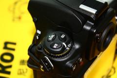 图为:尼康数码单反相机D700